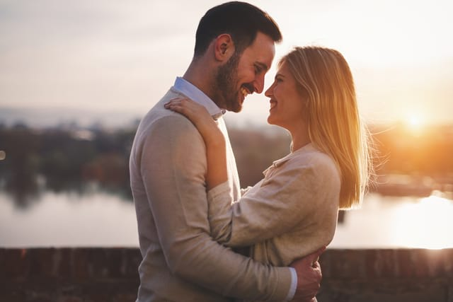 Signs And Ways A Cancer Man Shows That He's In Love